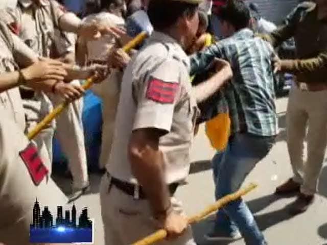 Video : दिल्ली में सीलिंग पर रोक नहीं, कई व्यापारियों ने किया विरोध