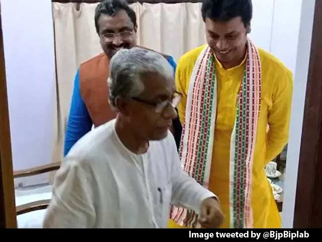 Video : Manik Sarkar, Chief Minister For 20 Years, Has Moved Into One-Room Home