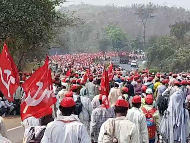 Video : Demanding Loan Waiver, 25,000 Farmers On March Towards Mumbai