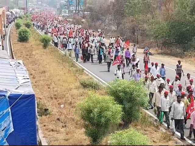 Videos : सिंटी सेंटर : दिल्ली में कारोबारियों से मिले केजरीवाल, अपनी मांगों को लेकर मुंबई से ठाणे पहुंचे 35,000 किसान