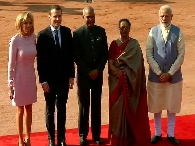 Video : Ceremonial Welcome For French President At Rashtrapati Bhavan