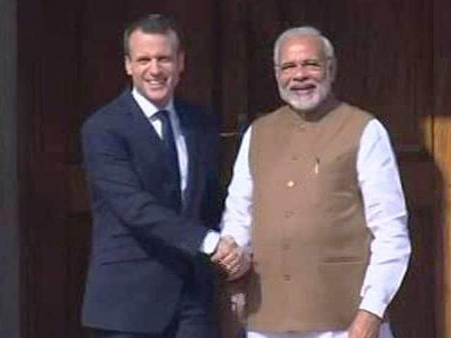 Videos : वाराणसी : पीएम मोदी के साथ गंगा आरती में हिस्सा लेंगे फ्रांस के राष्ट्रपति