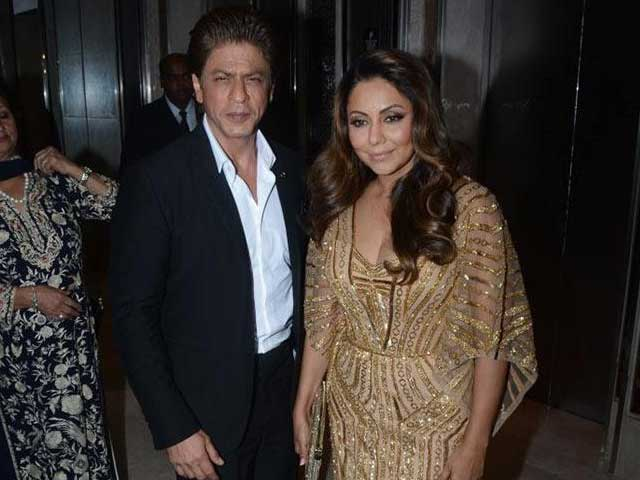 SRK & Gauri Khan Attend Fashion & Lifestyle Awards