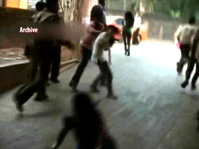 Video : How 26 Men Seen Attacking Women In Mangaluru Pub Got Away