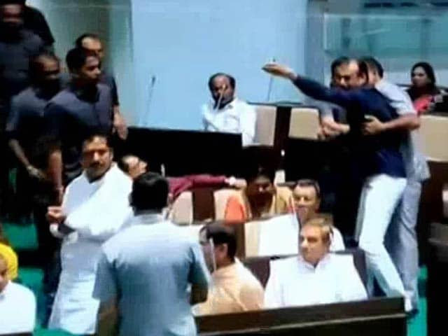 Video : Chaos In Gujarat Assembly, Congress Lawmaker Throws Mic At BJP Leader
