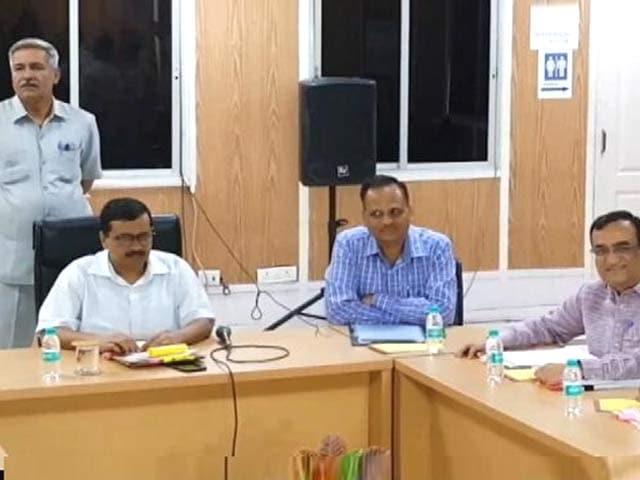 Video : विक्रम मजीठिया से माफी मांग अपनों के बीच फंसे सीएम केजरीवाल