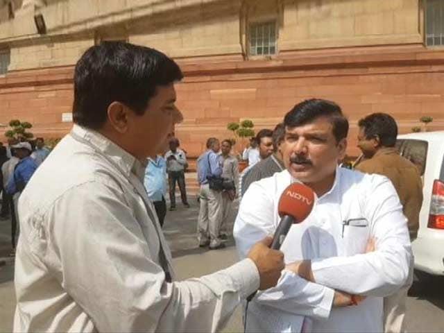 Video : केजरीवाल की माफी पर AAP में संग्राम, संजय सिंह अपने बयान पर कायम