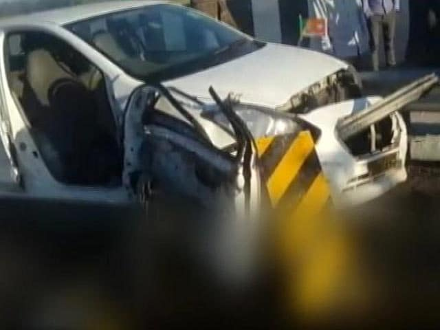 Video : 3 AIIMS Doctors Killed After SUV Hits Mini-Truck On Expressway Near Delhi