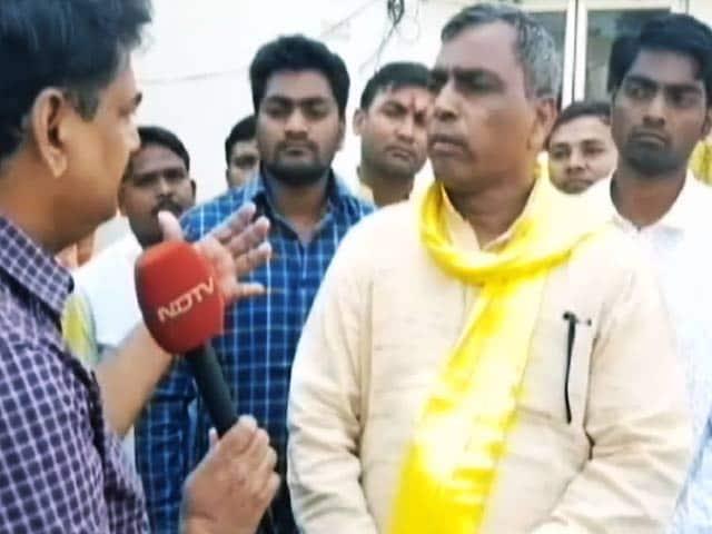 Video : यूपी में कैबिनेट मंत्री ओमप्रकाश राजभर ने अपनी ही सरकार को दिए सिर्फ 3 नंबर