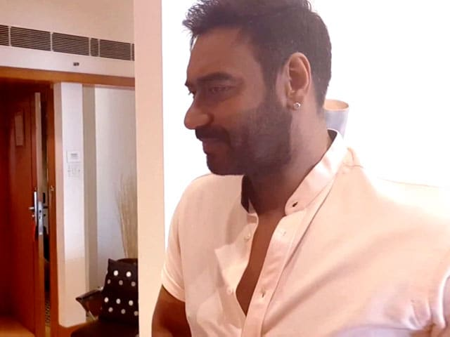 Video : Bollywood's Biggest Prankster Ajay Devgn Answers #Just2Questions