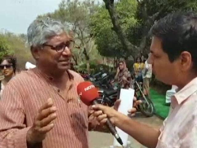 Video : JNU में प्रदर्शन को लेकर प्रोफेसर आदित्य मुखर्जी से NDTV की खास बातचीत