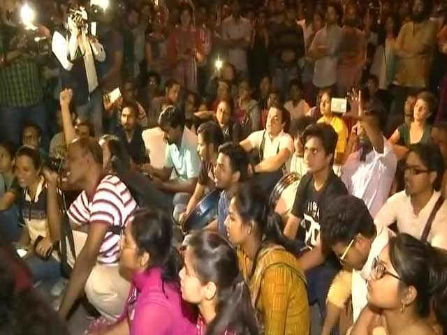 Videos : सिटी सेंटर:  जेएनयू में छात्रों का प्रदर्शन, वेतन नहीं मिलने से शिक्षक नाराज