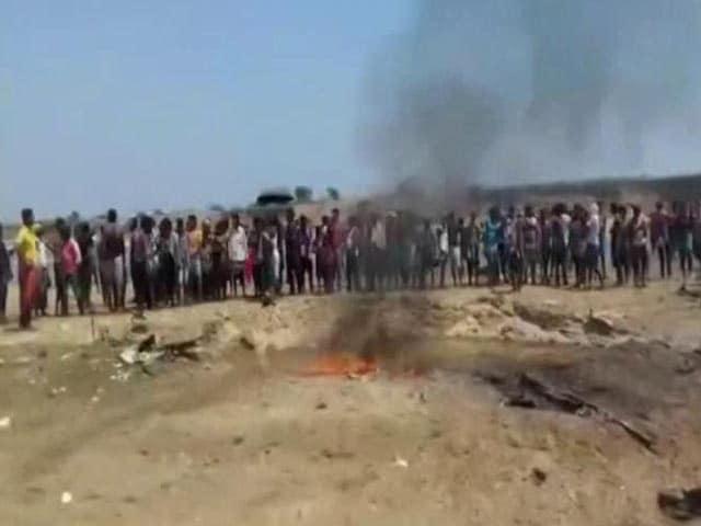 Videos : झारखंड : हेलीकॉप्टर की क्रैश लैंडिंग