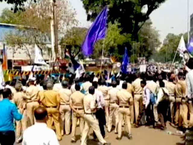 Video : सिटी सेंटर : दिल्ली में पत्रकारों से बदसलूकी का विरोध, मुंबई में 'यलगार मोर्चा'