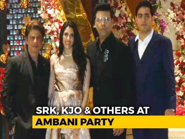 Video : Watch! SRK, KJO, Katrina At The Party For Akash Ambani And Fiancee Shloka