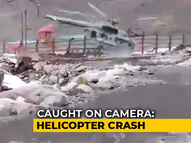 Video : Air Force Helicopter Crashes Near Kedarnath Temple. Caught On Camera