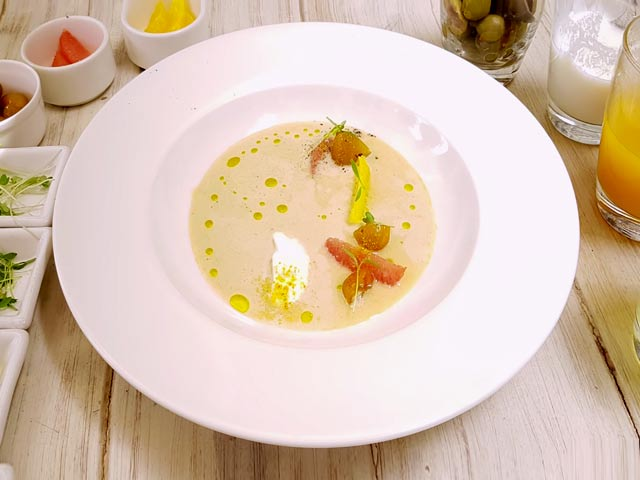 Video : Green Olive Gazpacho