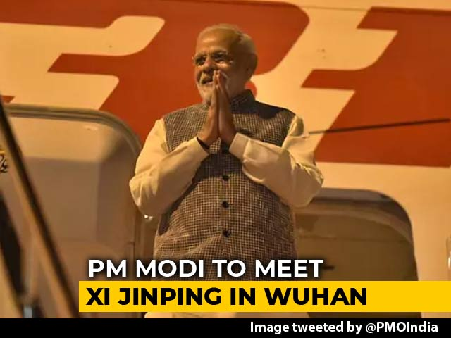 "Video : Walk By Lake, Boat Ride With Xi Jinping And ""Informal"" Meets: PM In China"