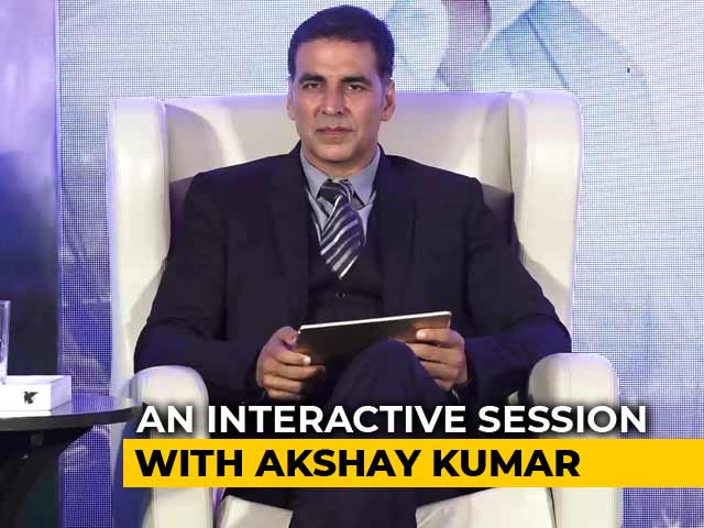 Video : Akshay Kumar's <i>Gaon</i> Connection