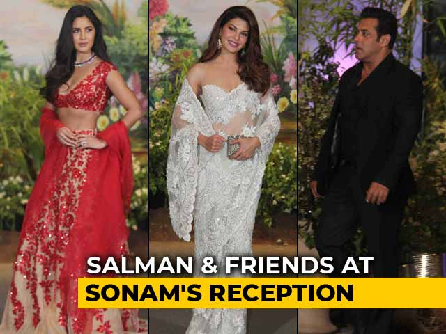 Salman Khan With Katrina Kaif & Jacqueline Fernandez At Sonam's Reception