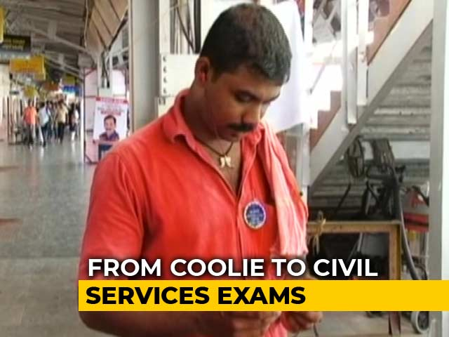 Video : Kerala Coolie A Step Closer To Civil Services Dream, Used Railway WiFi To Prep