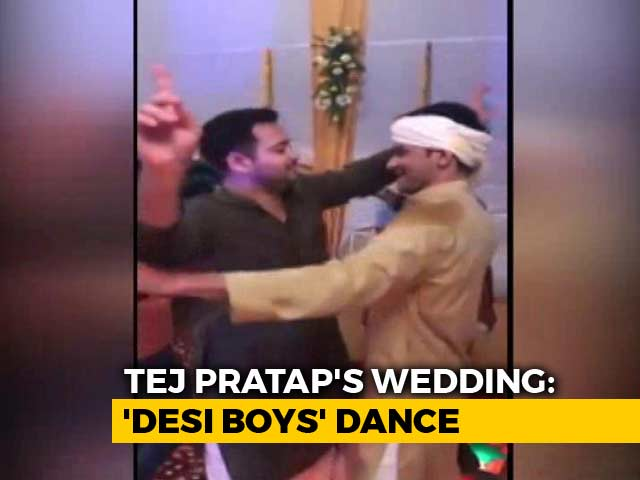 Video : Watch: Lalu Yadav's 'Desi Boys' Dance At Tej Pratap's Wedding
