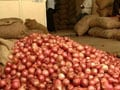 Video : Wholesale onion prices crash: retail rates to follow?