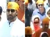 Video : Abhishek Bachchan, Rishi Kapoor, Neetu Singh at Golden Temple