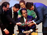 Video : At Dilip Kumar's Book Launch, a VIP Guest List From Bollywood (Aired: June 2014)