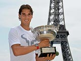Video : Rafael Nadal Celebrates Win at Eiffel Tower