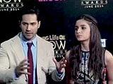 Videos : बॉलीवुड रैप : अवॉर्ड शो में जमी फिल्मी महफिल