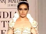 Video: Runway Recap: India Couture Week, Day 3
