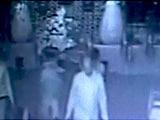 Video : कैमरे में कैद : गाजियाबाद के बैन्क्वेट हॉल में हुई चोरी