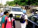 Video: रोड टू सेफ्टी : सड़क हादसे से बचने के लिए रखें इन बातों का ध्यान
