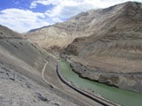 Video: Let Your Feet Find Peace for You: Indus River, Ladakh