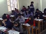 Video : दिल्ली विश्वविद्यालय की परीक्षा मजाक बनी!