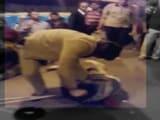 Video : कैमरे में कैद : आरपीएफ जवानों ने विकलांग भिखारी को पीटा