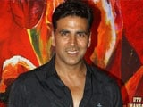 Video : Akshay Kumar to Auction Items From His Wardrobe