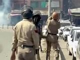 Video : श्रीनगर में प्रदर्शनकारियों और पुलिस के बीच झड़प