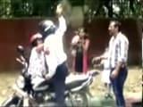 Video: इंडिया 7 बजे : दिल्ली ट्रैफ़िक पुलिस मामले में नया मोड़