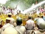 Video : दिल्ली में बिजली की बढ़ी दरों के खिलाफ बीजेपी का प्रदर्शन