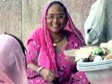 Video: लुहार मौसम देवी के सपनों की उड़ान...
