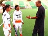 Video: 'विदेशी खिलाडियों की स्पीड अच्छी है, हम सिंपल हॉकी खेलते हैं'
