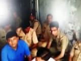 Video : इंडिया 7 बजे : गुजरात में एडीजीपी ने बनाया 17 पुलिसवालों को बंधक