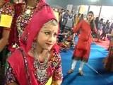 Video : नवरात्रि शुरू होने के साथ मचने लगी डांडिया-गरबा की धूम