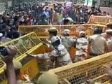 Video : फ़ेलोशिप को लेकर दिल्ली में छात्रों का UGC दफ़्तर के बाहर प्रदर्शन