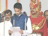 Video : Tej Pratap Yadav, Lalu Yadav's Debutant Son, Repeats Oath After Flub