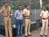 Video : आमिर के घर पर बढ़ाई गई सुरक्षा, प्रदर्शनकारियों को हिरासत में लिया गया