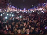 Video : Paris Welcomes in New Year After Fireworks Cancelled