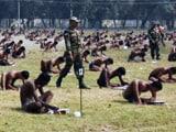 Videos : बिहार : वे आए थे आर्मी में भर्ती का एग्ज़ाम देने, लेकिन उतरवाए कपड़े!